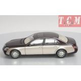 MAYBACH - 57SWB 2005 BROWN MET GOLD 1-18 AUTOART